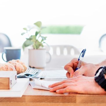How to Become a Successful Creative Essay Writer